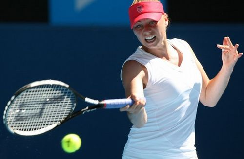 Photo of Vera Zvonareva via Forty Deuce.